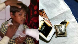This 7-year old kid lost his fingers while playing with his dad's mobile!