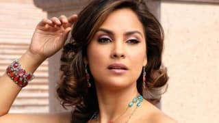 Lara Dutta to play single NRI mother in next featuring Vinay Pathak