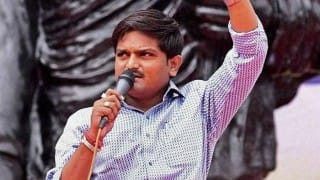 Video of currency notes being showered on Hardik Patel goes viral