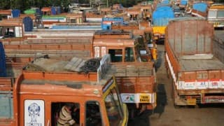 Truckers strike continues for 3rd day, AIMTC stages dharna