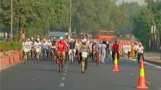 Arvind Kejriwal leads cycle rally on Car Free Day