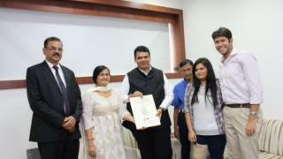 Devendra Fadnavis launches website in memory of cartoonist RK Laxman