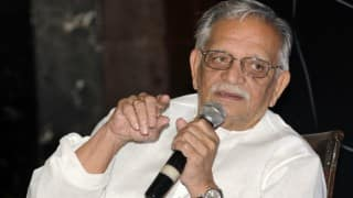 Gulzar backs writer's protest, demands government to crackdown on communal forces