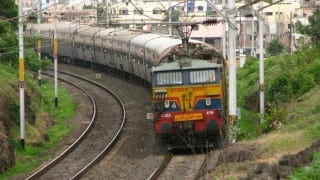 Railways to continue 'Swachh Bharat' mission till March 2016