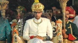 Dasra 2015: Mysuru Maharaja Yaduveer Krishnadatta Chamaraja Wadiyar ascends golden throne for festival