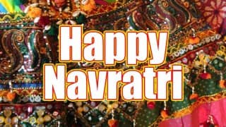 Navratri 2015 Special: Non-stop Gujarati Dandiya Garba songs to groove to this joyous festival!