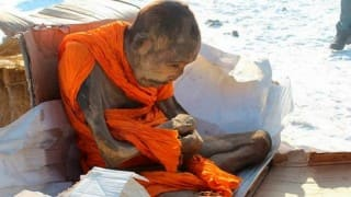 Shocking! 200-year-old Mongolian Monk Mummy still alive! (Video)