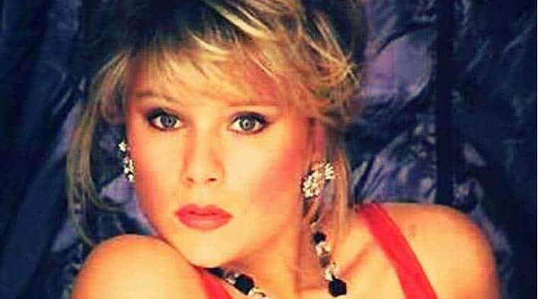 Samantha Fox kicked off plane after bust-up - India.com