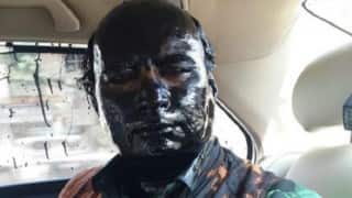 Sudheendra Kulkarni attacked: Shiv Sainiks smear black ink for organising book launch of Pakistani diplomat (Watch Video)