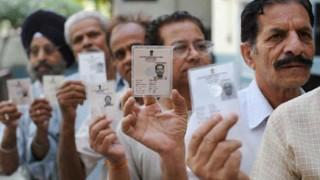 बिहार में कड़ी सुरक्षा के बीच 49 सीटों के लिए मतदान जारी