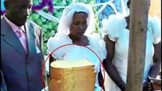 A couple didn't have money for their wedding cake. So they decided to cut bread-butter instead!