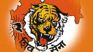 Shiv Sena ministers attend Maharashtra Cabinet meet after acrimony