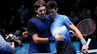 Roger Federer ends Novak Djokovic's winning streak at ATP Finals