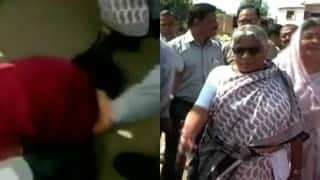 Madhya Pradesh: Minister Kusum Mehdele kicks child beggar on demanding 1 rupee (Watch Video)