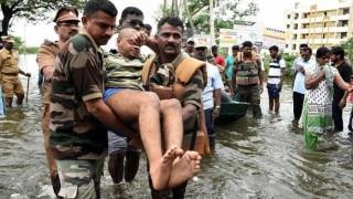 Chennai Rains: Parts of Tamil Nadu still submerged in flood waters, Jayalalithaa speaks to Rajnath Singh