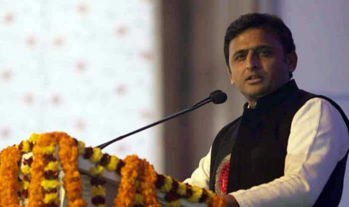 Akhilesh Yadav flags off bicycle rally in Lucknow