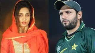 Arshi Khan maintains Shahid Afridi is her love, questions Fatwa on personal relationships