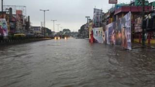 Heavy rain causes water logging in Chennai