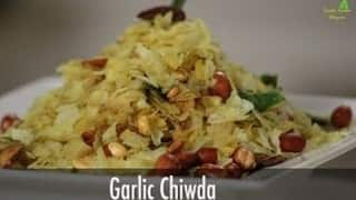 Diwali 2015 Special: How to make Garlic Chiwda - Sanjeev Kapoor recipe (Video)
