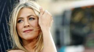 Jennifer Aniston Literally Breaking Phone After Clocking Over 10 Million Followers on Instagram is Perfect Reply to Trolls