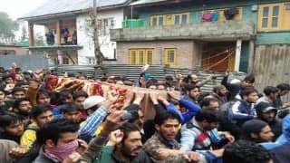 Kashmir: Protest against killing of youth during PM Modi rally; curfew imposed in Srinagar