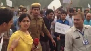 NDTV female reporter heckled by participants of March For India rally (Video)