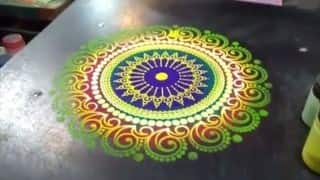 Diwali 2015 Rangoli: How to put special colours in Rangoli mould