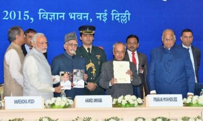 Pranab Mukherjee, Narendra Modi, Sonia Gandhi hail Sharad Pawar as he turns 75