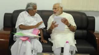 Narendra Modi meets Oommen Chandy cabinet, discusses development