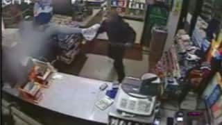 58-yr-old Indian-American Sikh fights-off robber with slipper