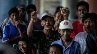 Indonesians vote in nationwide regional polls