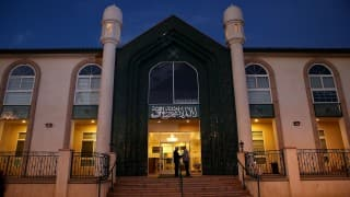 Two Southern California mosques vandalised