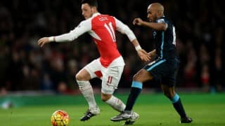Mesut Ozil's mastery inspires Arsenal to 2-1 win over  Manchester City