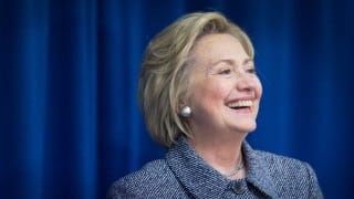 Opinion poll shows gains for Hilary Clinton in US presidential race