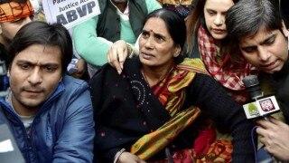 Rahul Gandhi assures passage for Juvenile Justice Bill, says Nirbhaya's mother