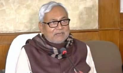Nitish Kumar moots dairy products for liquor vends that close after prohibition