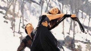 Yash Raj Films marks 13 yrs of 'Saathiya'