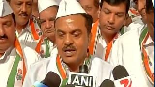 Sanjay Nirupam, Mumbai Congress President, Detained at Girgaum Chowpatty on His Way to Participate in 'Pakoda Protest'