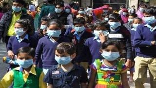 Delhi Air Pollution: Few schools declred holiday as pollution levels rise in Delhi-NCR