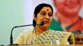 Actor Orlando Bloom deported, Sushma Swaraj comes to his aid