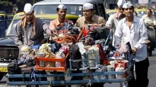 Amazing! Mumbai Dabbawalas start a Roti Bank to feed the poor