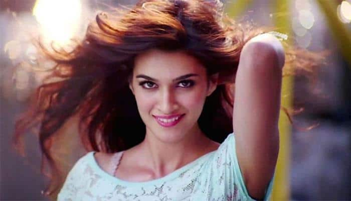 kriti sanon reveals who her favourite cricketer is entertainment