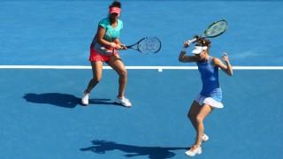 Sania Mirza-Martina Hingis enter final; Rohan Bopanna's campaign over at Australian Open
