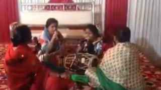 Ladies singing DJ Waley Babu is better than Badshah's original! (Video)