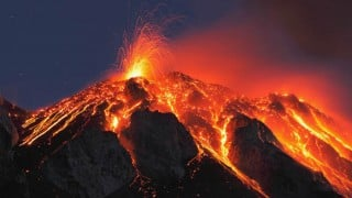 Volcanoes erupt in Indonesia, Russia; government evacuates people