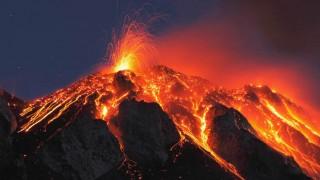 Volcanoes erupt in Indonesia, Russia; government evacuates people
