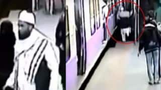 Mumbai: Terrifying accident at Dadar railway station; man crushed under moving local train (Video)