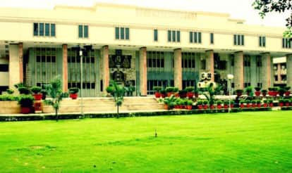 High Court refuses to stay attachment proceedings agst Virbhadra Singh, wife