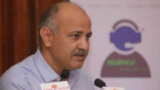 Civic workers dump garbage at Manish Sisodia's camp office