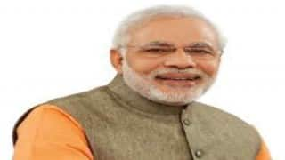 Narendra Modi meets L K Advani; offers condolences over wife's demise